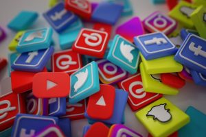 social media 300x200 - How to make your e-commerce startup stand out in the crowd?